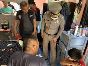 จับหลานชายปาระเบิดใส่ห้องนอนตาบาดเจ็บสาหัส ส่วนสาเหตุอยู่ระหว่างการสอบสวน