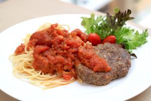 Spaghetti Hamburg Tomato Sauce