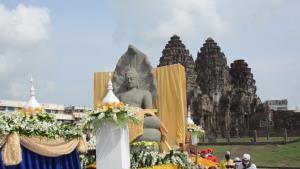 ถูกทั้งเมือง!! ชาวบ้านเมืองลิงถูกหวยเลขรถอัญเชิญพระประจำเมืองลพบุรีกันทั้งเมือง