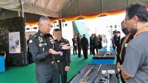 """""""บิ๊กแดง"""" ไฟเขียววิจัยพัฒนาอาวุธ ไม่ซื้อ ตปท.ตลอด เตรียมจัดงานวันภูมิปัญญานักรบไทย"""