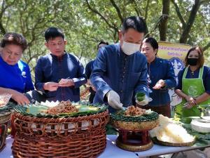 ชัยนาทชวนเที่ยวงานวันส้มโอขาวแตงกวา รีบมาซื้อก่อนส้มโอจะหมด อดชิมของอร่อยประจำถิ่น
