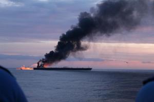 ระทึก! ไฟไหม้ 'เรือบรรทุกน้ำมัน' นอกชายฝั่งศรีลังกา ลูกเรือปินส์สูญหาย (ชมคลิป)
