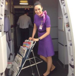 """เจาะใจ """"แอร์ฯ สาว พรีเซ็นเตอร์การบินไทย"""" ในวันที่วิกฤตทำ """"นางฟ้า"""" ตกสวรรค์!!"""