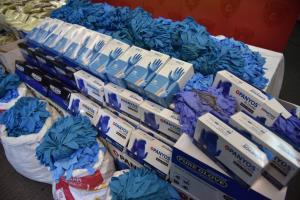 ปคบ.ร่วม อย.จับแหล่งขายสมุนไพรผีบอก-ถุงมือแพทย์เถื่อน รวม 15 ล้านบาท