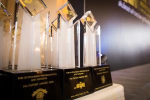 """น้ำมันถั่วเหลือง """"องุ่น"""" คว้า 2 รางวัล Minister's Export Award บทพิสูจน์คุณภาพและมาตรฐานระดับสากล"""