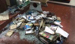 ระทึกกลางดึก!! เกิดเหตุไฟไหม้ร้านจำหน่ายอุปกรณ์การศึกษาหน้า ม.ราชภัฏเพชรบุรี