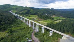 'อุโมงค์มิตรภาพ' ทางรถไฟจีน-ลาว สร้างเสร็จแล้ว