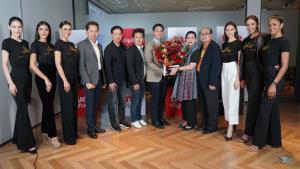 ผู้เข้าประกวด Miss Universe Thailand 2020 พร้อมคณะ เข้าเยี่ยมและขอบคุณผู้บริหารทรู