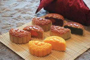 ขนมไหว้พระจันทร์หลากรสชาติ เสริมสิริมงคล ส่งต่อความรัก