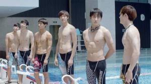 """""""โอโม่...ทุกองศา"""" ทีมนักว่ายน้ำของน้อง ยอมเป็นทาสใจ เธอคิ้วท์ได้สุดจริง"""