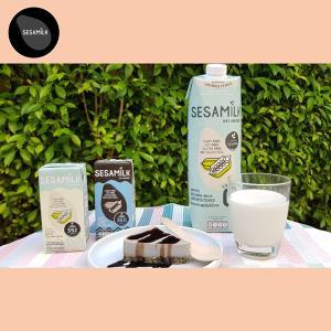 """(ชมคลิป) เจ้าแรกของโลก! """"SESAMILK"""" น้ำนมงาฝีมือคนไทย เจาะตลาดคนรักสุขภาพ พร้อมเพิ่มรายได้ผู้ปลูกงา"""