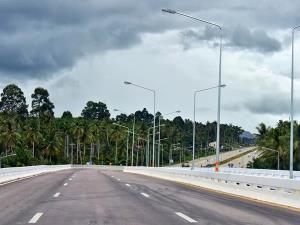 ถนนใหม่แต่ไม่เรียบ! คนชุมพรวอนเร่งตรวจสอบเส้นทางลัดโค้ก-ขุนกระทิง งบฯ 788 ล้าน เหมือนขับรถบนทางลูกรัง