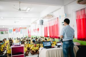 ดร.ธนบวร มอบอุปกรณ์กีฬาและเครื่องดนตรี พร้อมบรรยายให้กำลังใจเยาวชนในสถานพินิจฯ บุรีรัมย์