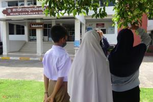 พี่สาวพาน้องวิ่งโร่ร้องสื่อโดนชายวัยรุ่นบุกเข้าโรงเรียนทุบตี จับหัวโขกพื้น แพทย์ระบุร่างกายบอบช้ำ