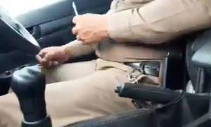"""ผู้การโคราชเต้น! สั่งสอบ """"ดาบตำรวจ"""" สภ.หนองสรวง ในคลิปฉาวไถเงินหมื่นรถบรรทุกว่อนเน็ต"""