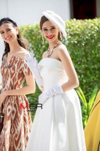 """30 สาว """"มิสยูนิเวิร์สไทยแลนด์ 2020"""" แปลงโฉมในชุดย้อนยุคทัวร์หัวหิน"""