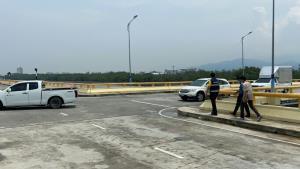 นายก อบจ.ชลบุรี สั่งยกระดับความปลอดภัยจุดสามแยกสะพานชลมารควิถีฯ หลังอุบัติเหตุถี่