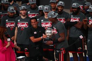 """""""ไมอามี"""" ปิดจ๊อบ 4-2 ทะลุชิง NBA หนแรกรอบ 6 ปี ปะทะ """"เลเกอร์ส"""""""
