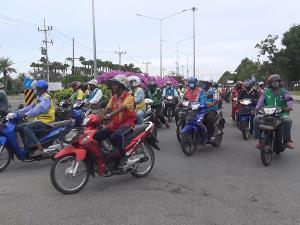 สีสันเมืองสงขลา! ปล่อยคาราวานวินมอเตอร์ไซค์รับจ้างรณรงค์ลดอุบัติเหตุทางถนน