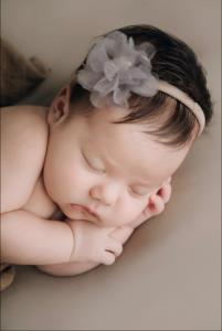 """เผยโฉมลูกสาว """"ซาร่า"""" วัย 2 เดือน พ่อเด็กคือนายแบบชาวรัสเซีย"""
