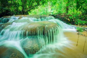 น้ำตกกะเต็งเจ็ง (ภาพจากเว็บไซต์ thailandtourismdirectory.go.th)