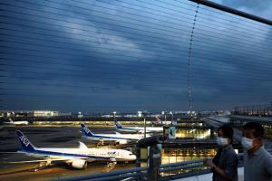 สนามบินญี่ปุ่นยังเหงา แม้ New Normal (ชมภาพชุด)