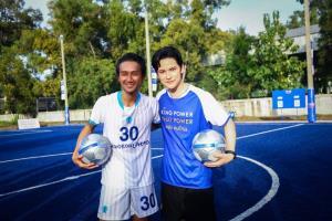 """""""ตูน-เต๋า"""" ไอดอลด้านกีฬา!! โชว์ฟาดแข้ง สร้างความสุข และรอยยิ้มให้เยาวชนไทยแดนอีสาน"""