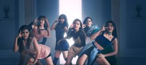 """""""LYRA"""" แรงไฟลุก! เปิดตัววันแรกกวาดอันดับ 1  iTunes-เทรนด์ทวิตไทย อันดับ 3 เทรนด์ทวิตโลก"""