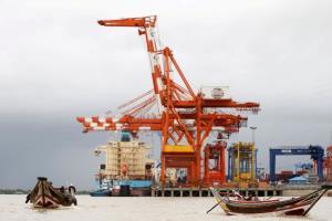 'เมอส์ก' สายเรือขนส่งยักษ์ใหญ่ประกาศหยุดใช้ท่าเรือทหารพม่า เหตุเอี่ยวละเมิดสิทธิมนุษยชน