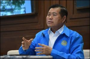 นายนิพนธ์ บุญญามณี รัฐมนตรีช่วยว่าการกระทรวงมหาดไทยจากพรรคประชาธิปัตย์ (ปชป.) และอดีตนายก อบจ.สงขลา