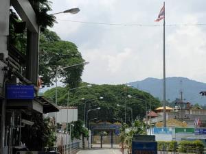รัฐฉานล็อกดาวน์สกัดโควิดเข้มทุกเมือง จับอีก 4 ชาวจีนลอบข้ามน้ำรวกเข้าฝั่งไทย