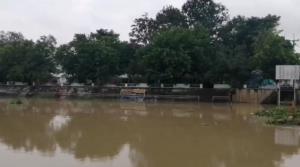 เพชรบุรีประกาศเตือนประชาชน ขนย้ายสิ่งของหนีน้ำภายในบ่ายวันนี้