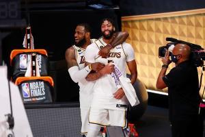 """""""เลเกอร์ส"""" ปิดฉาก 10 ปีที่รอคอย คว้าแชมป์ NBA ทาบเซลติกส์ """"เลอบรอน"""" ซิว MVP รอบชิงฯ"""