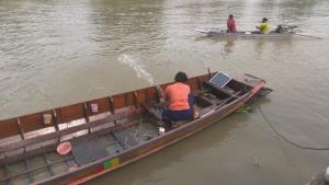 เรือหาปลาชนเรือนักท่องเที่ยวกลางแม่น้ำป่าสัก เจ็บระนาว