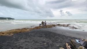 หาดนางทอง หาดทรายสีดำ อันซีนพังงา