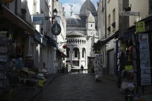 'ยุโรป' ผวาเร่งฟื้นมาตรการล็อกดาวน์ 'ฝรั่งเศส' สุดยื้อสั่งเคอร์ฟิว 9 เมือง 6 สัปดาห์