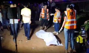 อีกแล้วหนุ่มขับเก๋งผ่านจุดตัดทางรถไฟ คาดมองไม่เห็นถูกรถไฟชนตาย 1 เจ็บ 2