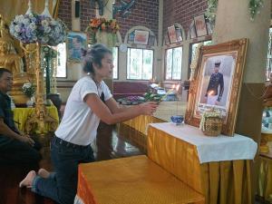 """ครอบครัวตัญกาญจน์ ทำบุญครบรอบเสียชีวิต 3 ปี """"น้องเมย"""" ถึงวันนี้ยังไม่มีคำตอบ"""