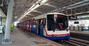 """ด่วน! รถไฟฟ้าบีทีเอสปิดบริการ 2 สถานี """"ราชดำริ และชิดลม"""" ชั่วคราว ตั้งแต่ 15.00 น.เป็นต้นไป"""