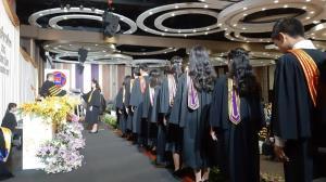 องคมนตรีมอบวุฒิบัตรผู้สำเร็จการศึกษาระดับประกาศนียบัตรวิชาชีพชั้นสูง วิทยาลัยฯ อี.เทค ปี 62