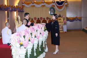 ในหลวง-พระราชินี พระราชทานปริญญาบัตรแก่ผู้สำเร็จการศึกษาจากมหาวิทยาลัยราชภัฏร้อยเอ็ด และมหาวิทยาลัยราชภัฏบุรีรัมย์