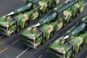 จีนเคลื่อนขีปนาวุธเหนือเสียง DF-17 ประจำการหน่วยรบแดนใต้ประชิดไต้หวัน (ชมคลิป)