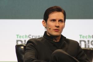 แฟ้มภาพ Pavel Durov ผู้ก่อตั้ง Telegram ซึ่งมีดีกรีเป็นหนึ่งในผู้ก่อตั้งเว็บไซต์เครือข่ายสังคมที่ได้รับความนิยมสูงสุดในรัสเซีย ปัจจุบันพำนักในเยอรมนี