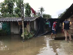น้ำท่วมหลายอำเภอใน จ.นครปฐม ได้รับการเข้าช่วยเหลือแล้ว