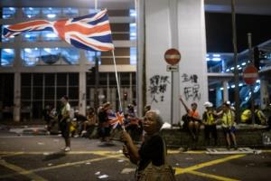 มังกรเดือด! จีนเตือนสหราชอาณาจักร คิดให้ดีก่อนมอบสัญชาติอังกฤษให้ชาวฮ่องกง