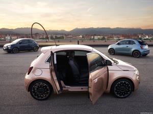 Fiat 500 3+1   เพิ่มสีสันด้วยตัวถังใหม่พร้อม EV