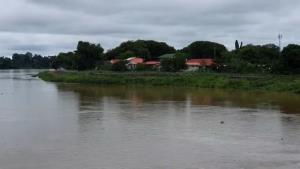 """อุตุฯ-จ.อุบลฯ เตือนชาวบ้านรับมือไต้ฝุ่น """"โมลาเบ"""" ส่งผลกระทบตามลำน้ำ"""
