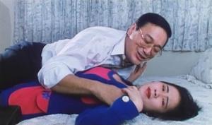 """""""ชาร์ลี โช"""" อดีตพระเอกหนังอาร์ฮ่องกงกับเส้นทางที่เคยโชกโชน หาเงินได้เดือนละล้านแต่หมดตัวเพราะหุ้น"""