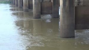 แม่น้ำมูลที่สถานีวัดน้ำสะพานเสรีประชาธิปไตยมีระดับน้ำสูง 5.69 เมตร ยังต่ำกว่าจุดน้ำล้นตลิ่ง 1.31 เมตร