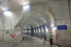 ภายในอุโมงค์ใต้ดินของโรงไฟฟ้า ลึก 350 เมตร